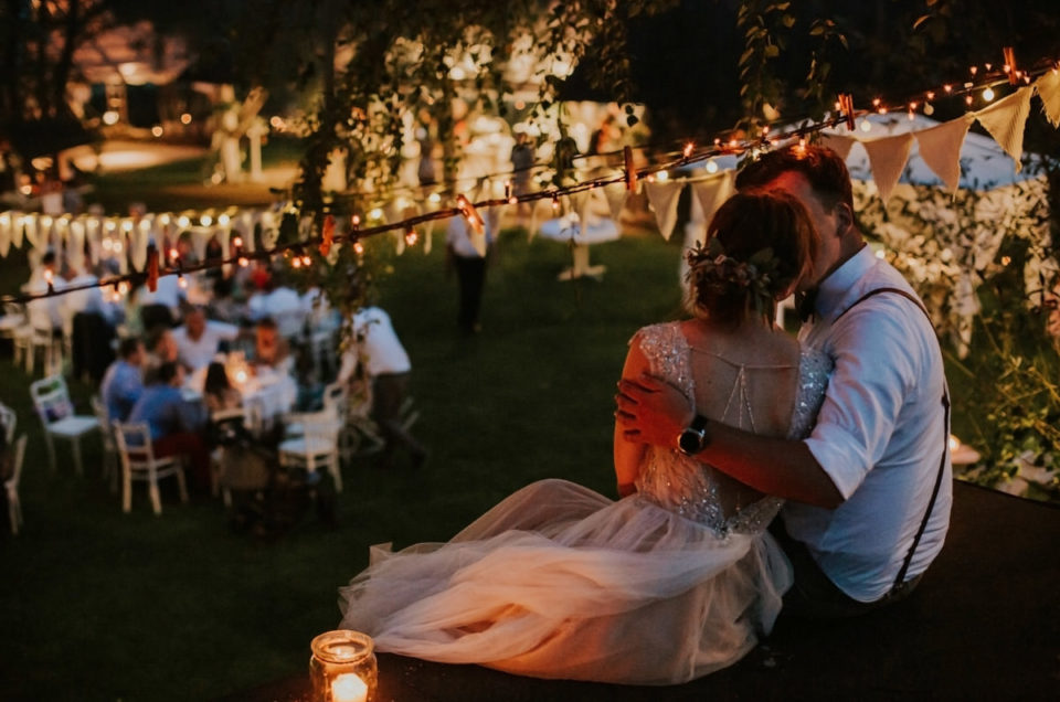 Rustykalny ślub w ogrodzie Violinovo pod Warszawą.