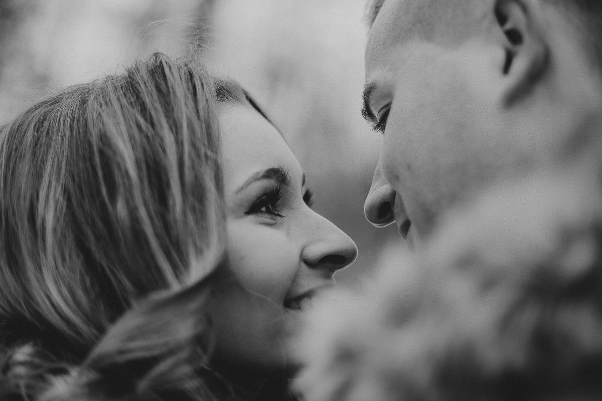 close up beautiful portrait of couple polish photographer maria kania